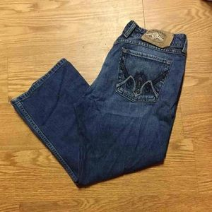 Lucky dark wash capris in size 10